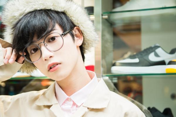 """謎の美少年""""ゆうたろう""""のパーソナルBOOKが6月28日発売決定!"""