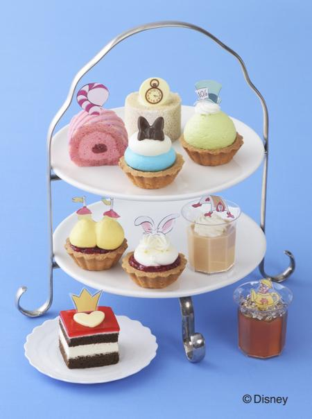 「ふしぎの国のアリス」が可愛いプチケーキに変身♪ コージーコーナーから6月20日発売