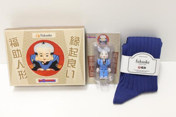 デジタルな福助人形が登場!? 靴下で有名な「福助」が クマ型フィギア「ベアブリック」と初コラボ!
