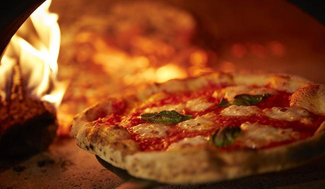 本格ピッツェリア800°DEGREES NEAPOLITAN PIZZERIA 南青山店がオープン! 南青山限定ピッツァやブランド初のデザートメニュー、ディナープランも
