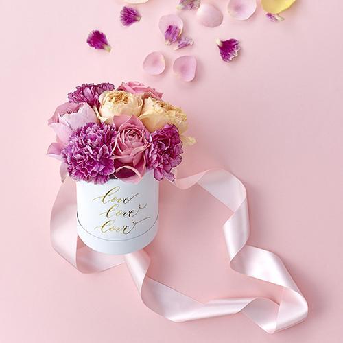 日比谷花壇のMESSAGE FLOWER BOXから、母の日限定のピンクが発売! 日頃の感謝を伝えるThank Youのメッセージ入り