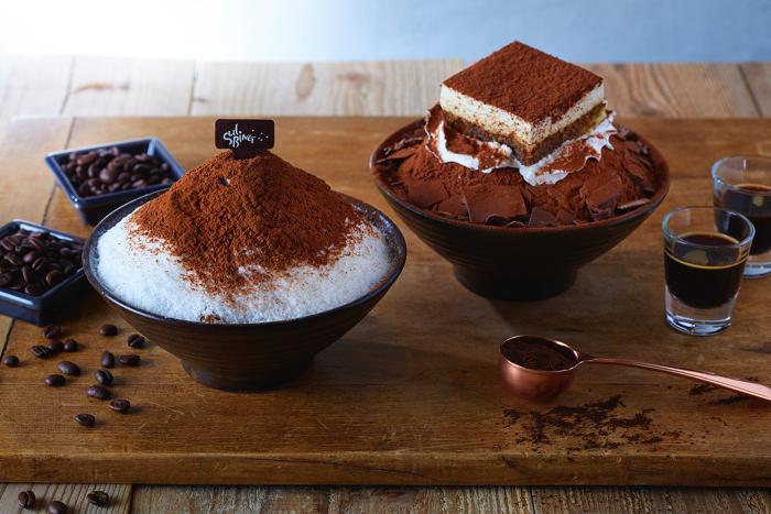 Sorbin在韩国甜点咖啡馆SULBING享用温暖浓缩咖啡是限量发行