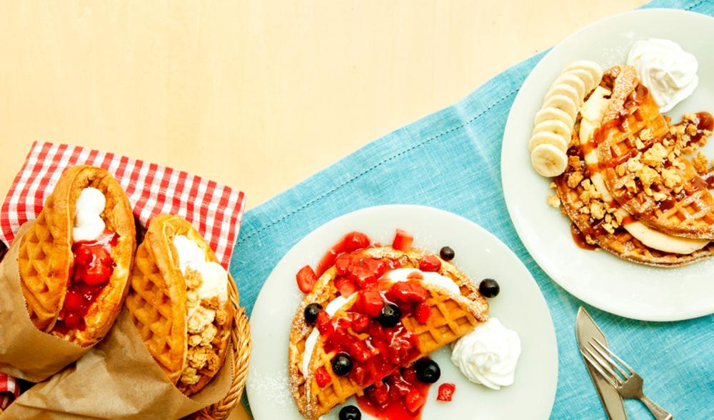 ふわふわのワッフルにフルーツとクリームがたっぷり♡ タリーズから「アメリカンワッフル」が登場!
