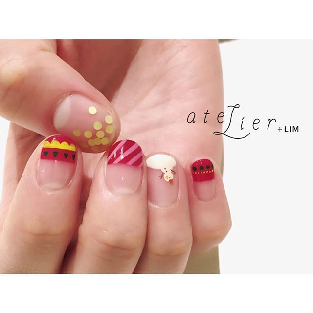 Lookbook: Latest Christmas Nail Designs Offered by Trendiest Nail ...